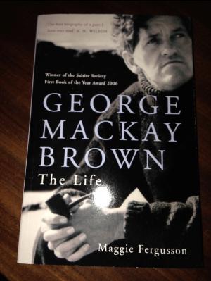 copertina biografia mackay brown