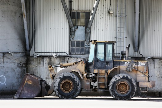 construction-excavator-site-4510-525x350